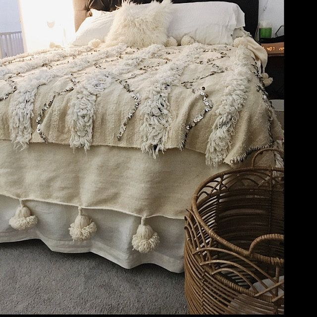 Moroccan Pom Pom Throw Blanket With Tassels Duvet Cover Blanket Made From Hand Woven Cotton Sofa Couch Throw Bed End Blanket In 2020 Bed Linens Luxury Bed Throws Bed