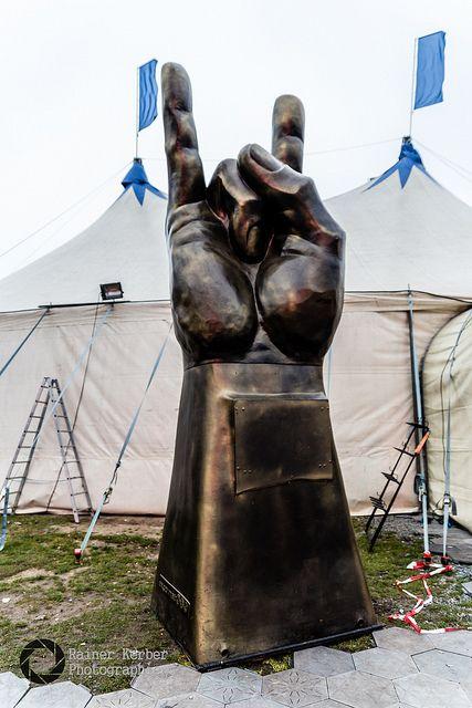 English version see below. Es wird ein kleines Jubiläum. Das Indoor Festival an der Küste der Ostsee feiert seinen fünften Geburtstag. Am Wochenende 10./11. November werden wieder tausende Metal-Fa…