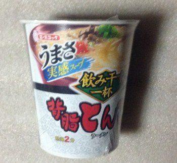飲み干す一杯背脂とんこつラーメン:エースコック | 通販.jp