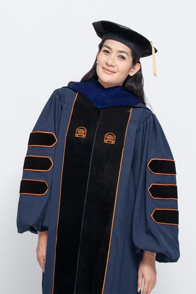 Celebrate your graduation with our finest quality of Doctoral Regalia for University of Virginia.