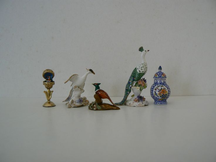 1/12th scale hand sculpted and painted miniatures.