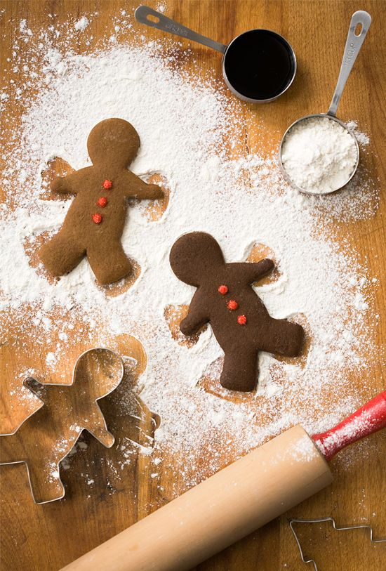 baking gingerbread men :) one of the best smells ever...