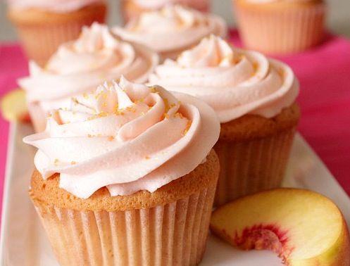 Peach Bellini Cupcakes: Peaches Cupcake, Blushes Cupcake, Cupcake Rosa-Choqu, Best Cupcake Recipe, Peach Cupcakes, Peaches Bellinis Recipe, Peaches Bellinis Cupcake, Peach Bellini, Cupcakes Yum
