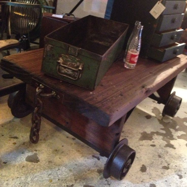 This coffee table size trolley is made from reclaimed oregon and old railways wheels. H395mm, L1070mm, W730mm