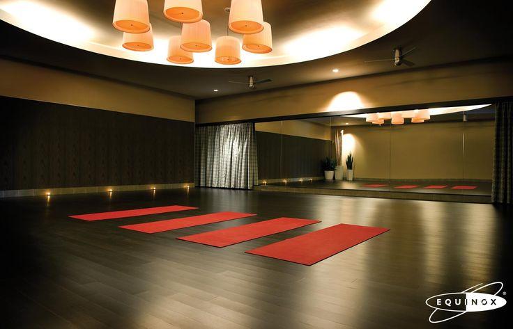 die besten 17 bilder zu yoga studio auf pinterest | ateliers, Innenarchitektur ideen