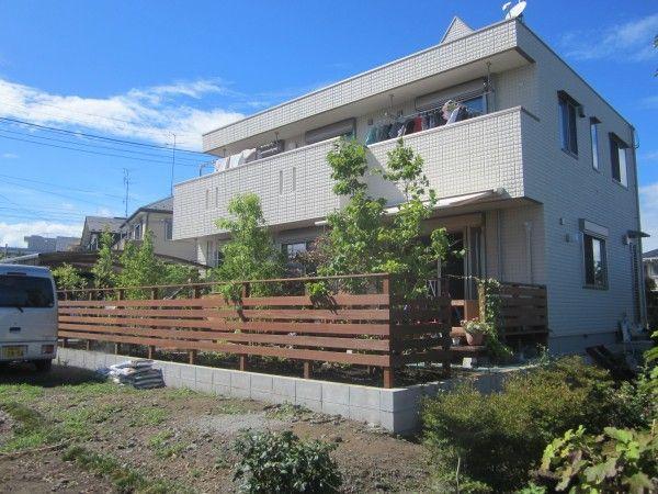 雑木とウッドフェンスと石張りサークルテラス 神奈川県愛甲郡愛川町E様邸1