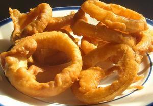 Smažené cibulové kroužky, ozkoušeno, sežráno :o)