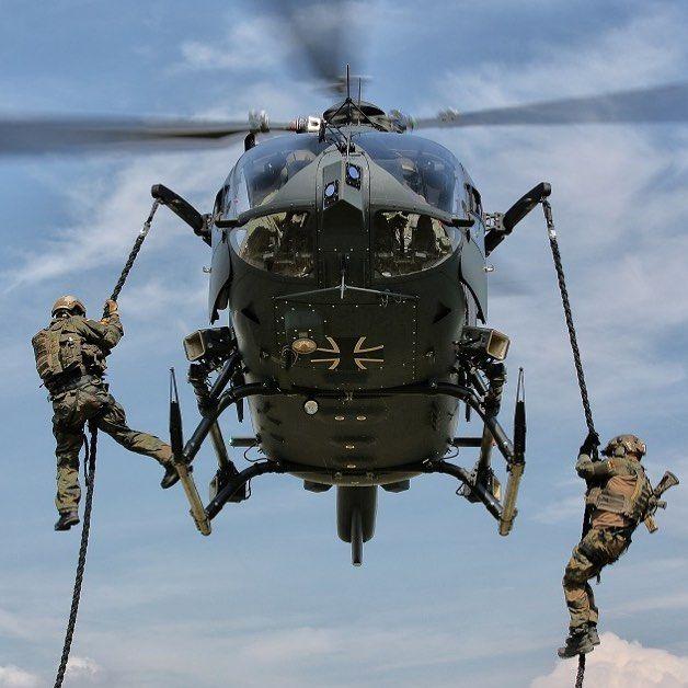 Fast roping / KSK Quelle: Johannes Heyn - #ksk #kommandospezialkräfte #isaf #oef #G36 #bundeswehr #infantry #specialforces #germanarmedforces #semperfi #Kampfretter #PJ #Fallschirmjäger #parajumpers #airforce #luftwaffe #heer #marine #tactical #operator #sof #ksm #kampfschwimmer #GSG9 #SEK #polizei #police #sof #specialforces #bundespolizei #G36 #policeforces #blueline 
