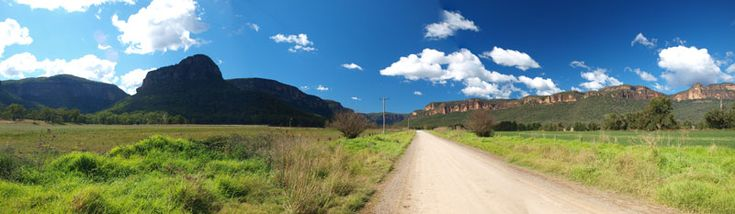 A panoramic photograph of Capertee Valley as you approach Glen Davis