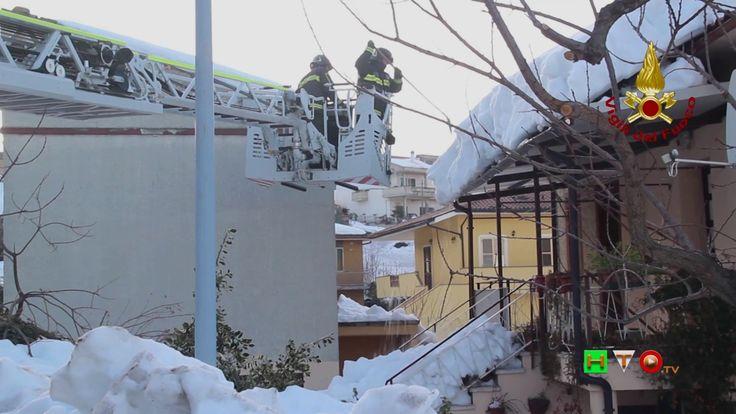 Vigili del Fuoco - Colle Trotta (PE) - interventi per Sgombero neve - ww...