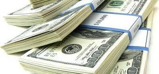 Para quem acompanha o preço do dolar aqui no Dolar hoje e já está familiarizado com nossas tabelas de taxas de cambio, já sabe que voce encontra a cotação diária, mensal e anual do dolar comercial, turismo, paralelo e ptax em nosso arquivo do dolar