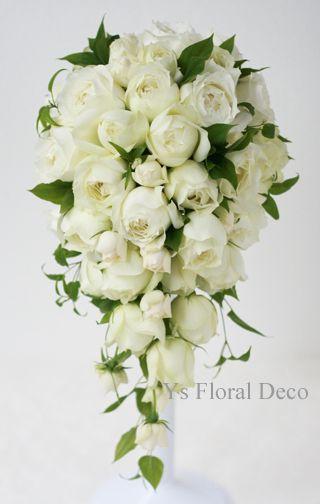 カップ咲きのバラのキャスケードブーケ  ys floral deco @ウェスティンホテル東京