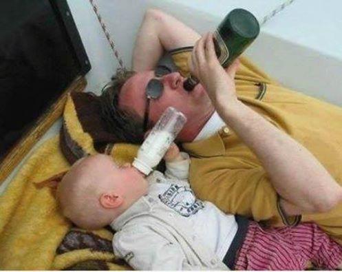 Οι άντρες δεν μεγαλώνουν. Απλά αλλάζουν μπουκάλι.