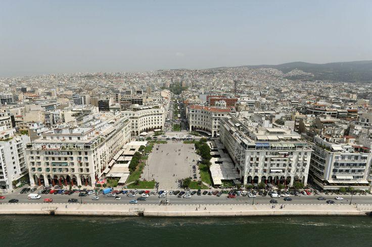 Πλατεία Αριστοτέλους και παραλία