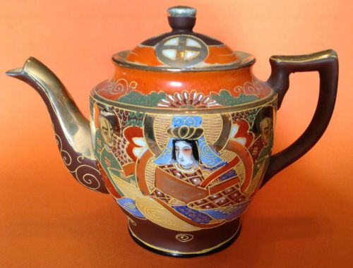 Large-Tea-Pot-Satsuma-Style-Immortals-Hand-Painted-With-Gilding-Moriage-Japan