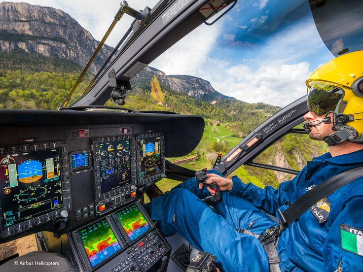 The front windscreen of #helicopters provides a panoramic view, but it's not made from glass. #originalplexiglas @airbus_helicopters #H135 #upintheair #helicopterlovers #helilovers #avgeeks #plexiglas #evonikplexiglas #acrylic @airbus_helicopters