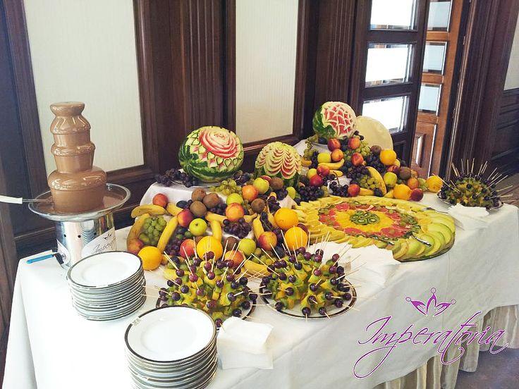 Fantana de ciocolata si masa de fructe
