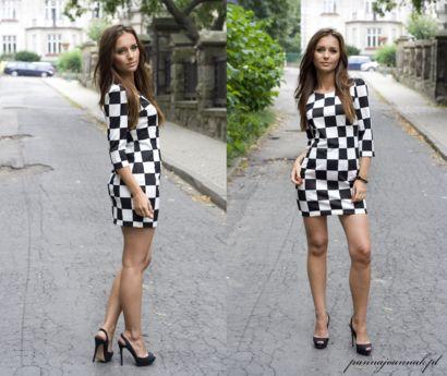 Stylizacja Asi z http://www.pannajoannak.pl to prawdziwy hit nadchodzącego sezonu! Sukienka mini w szachownicę wygląda na blogerce naprawdę zjawiskowo!