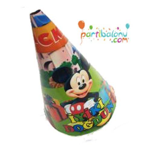 Mickey Mouse ŞapkaMickey Mouse Karton Şapka Ürün ÖzellikleriÜrün Paketinde 6 AdetMickey Mouse Şapka bulunuyor.Karton Şapka Kaliteli ve canlı renklerdedir.Mickey Mouse temalı şapkalar kartondan üretilmiştir.Doğum günü partilerinin vazgeçilmez bir ürünü olup çocuklara dağıtabilirsiniz. Farklı&nb