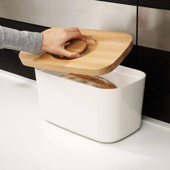 Хлебница изготовлена из 100% меламина, а крышка – из высококачественного…