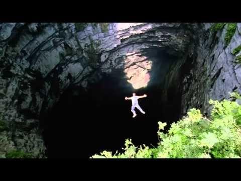 Sotano de Las Golondrinas (Cave of the Swallows) ..el mayor pozo natural del mundo, con 376 mts de profundidad y donde los valientes hacen jumping