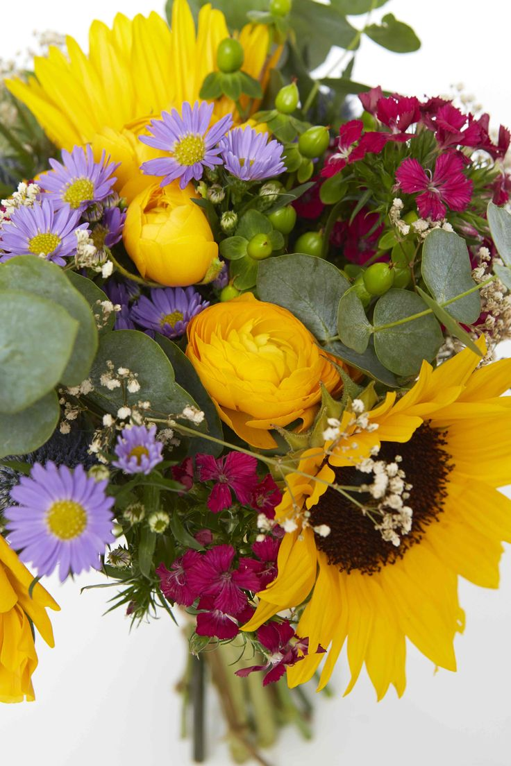 10 images about june wedding flowers on pinterest cottages florists and wedding. Black Bedroom Furniture Sets. Home Design Ideas