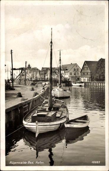 Fischerboote im Hafen - Łodzie rybackie w porcie pocztówka z Darłowa wysłana w 1941 roku.