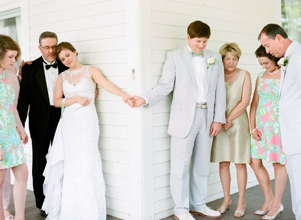 Praying before the Ceremony without having to do a reveal. I love this!