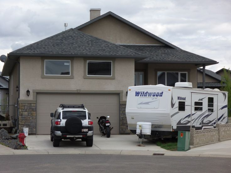 You want space? You got it, right here. Incredible 1565 Sq. Ft. raised bungalow on RARE – OVERSIZED PIE SHAPED lot in Couleecreek. Nestled off the beaten path in a quiet cul-de-sac, located in one Lethbridge's premiere South side locations. Features: Granite, Hardwood & Tile. Open & vaulted kitchen Living/dining room combo with gas fireplace . $429,900.00 - SOLD!