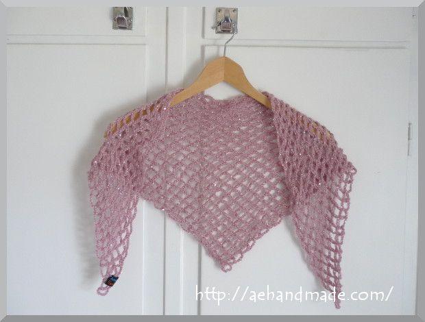 DIY Summer Shawl - FREE Crochet Pattern / Tutorial here: http://aehandmade.com/virka-enkel-sjal/