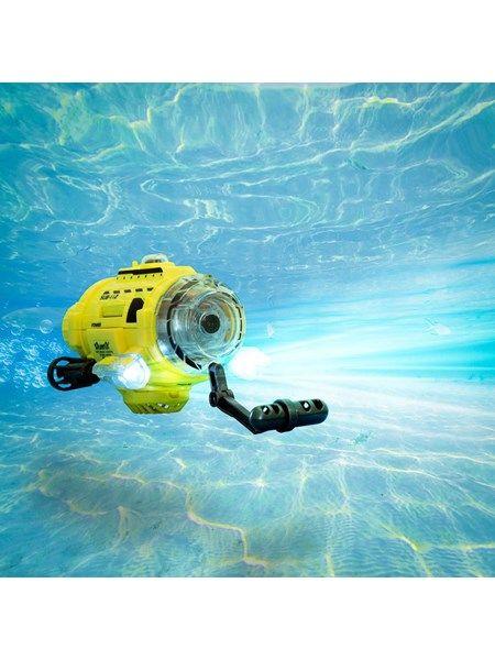 Fjernstyret ubåd med kamera. Du kan fodre fiskene mens du filmer det. #ubåd #undervandskamera