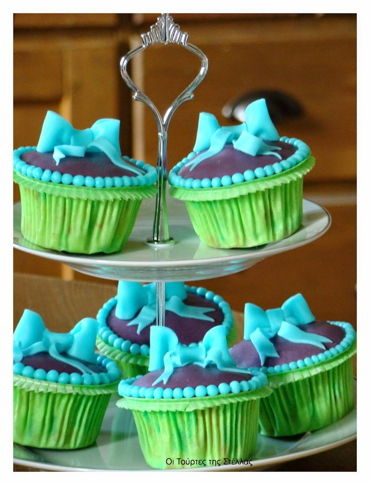 Stella's Κουζινομπερδέματα: Πώς να φτιάξετε ένα cupcake-Μπάλα Ποδοσφαίρου