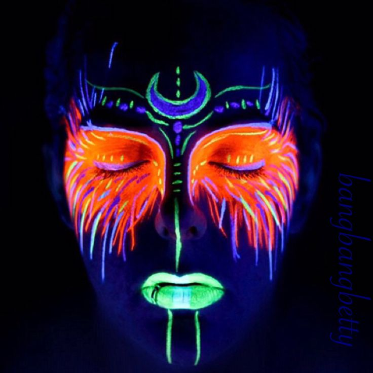 Blacklight makeup! Glowing makeup!
