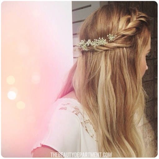 Sweet & simple half up braid tutorial w flowers.