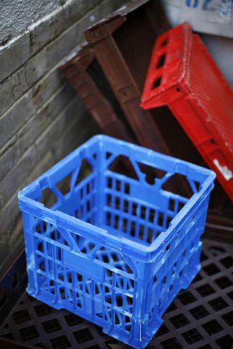 Yard Chairs Plastic What Is An Ergonomic Chair Uses For Milk Crates   Creative Recycling Pinterest Crates, And