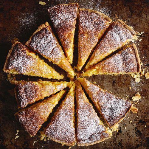 Warm lemon tart