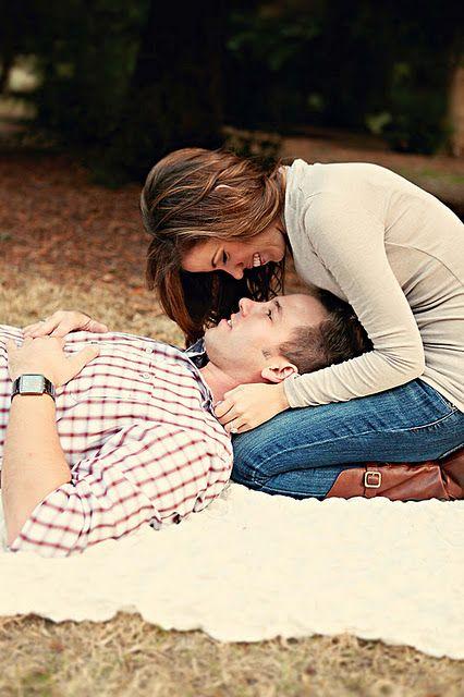 super cute engagement photo