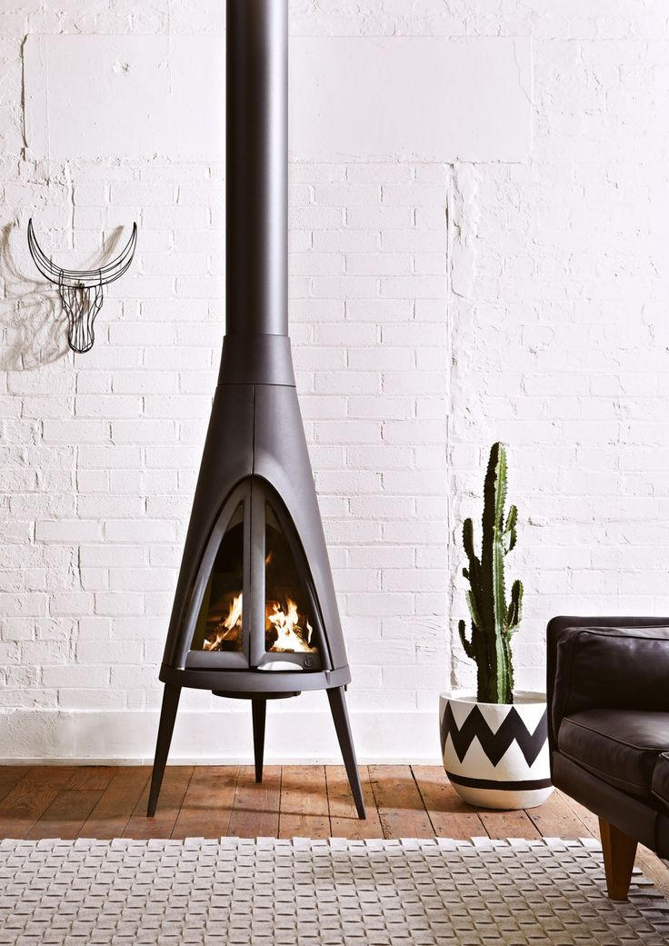With a unique shape inspired by the tipis of Native American culture, Tipi brings a touch of desert chic to your living room. This stove works with the doo