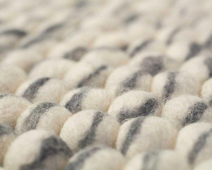 Dania-jasnoszary-mix-czuł-piłki-dywan