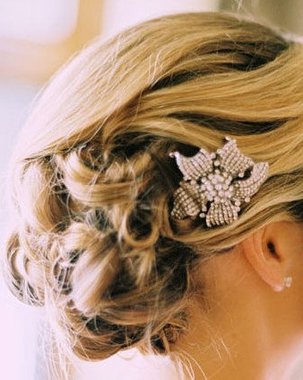 Hair comb lily