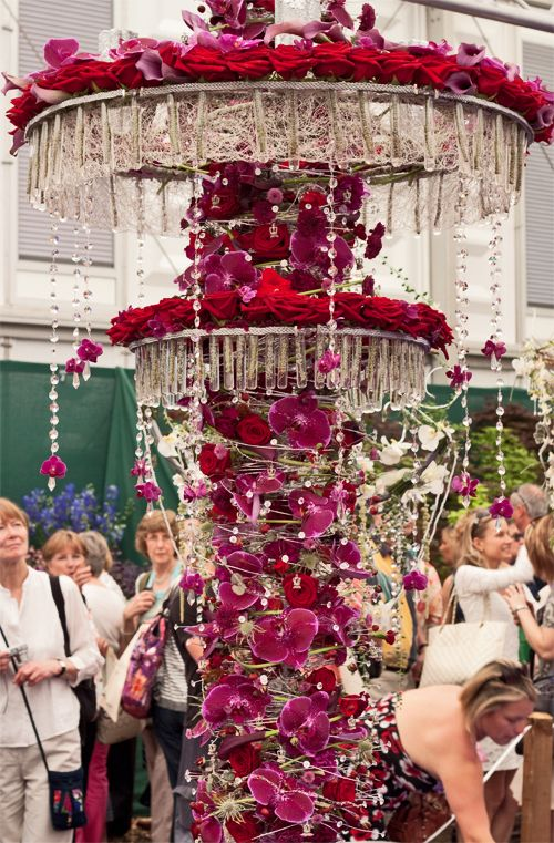 Jennifer Murphy from Flowers by Moira in Ireland won the award for RHS Chelsea Florist of the Year and also Best in Show