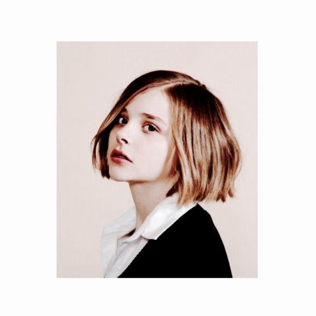 元「EMODA」プロデューサーで現在は自身のブランド「CLANE」クリエイティブディレクターとして、経営者として活躍する松本恵奈さんの髪型をチェック!ギャル時代からは想像できない今旬な大人女子に大変身した松本恵奈さん。ママなのにどうしてそんなにおしゃれなの?今回は松本恵奈さんの髪型をチェック♪