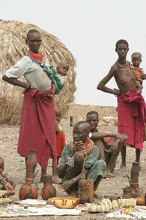 Kenya. Market scene, 2003