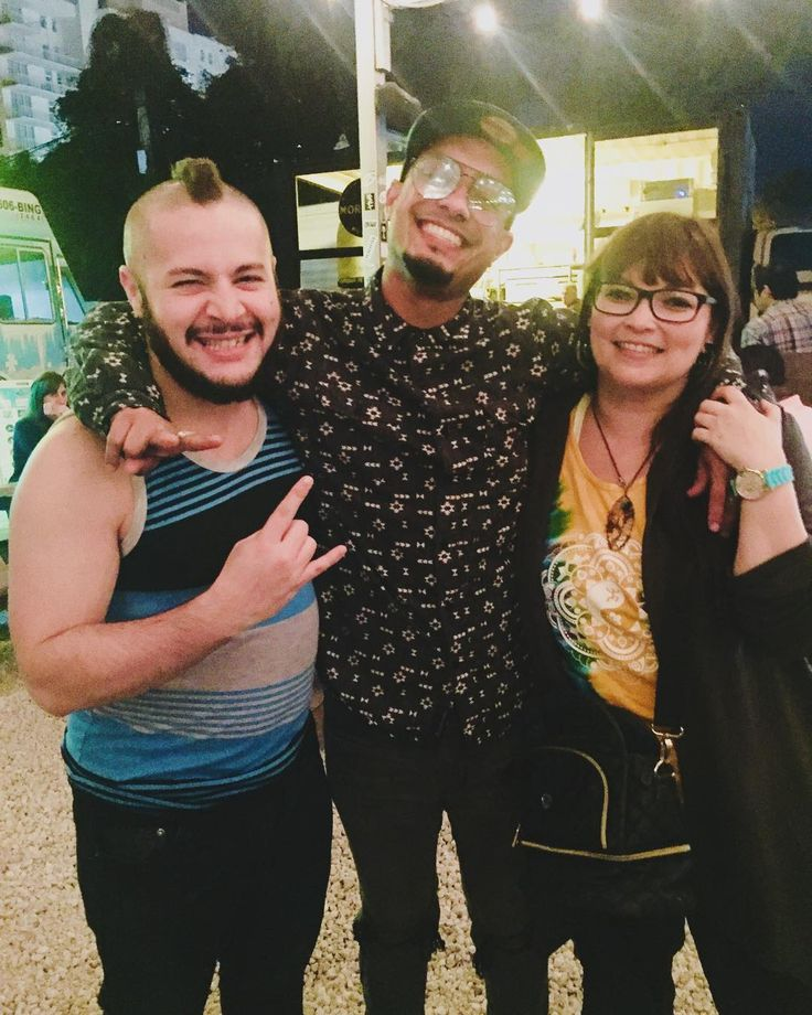 With our good friend @disidentemusic. Thanks for showing us a great time while in Miami. #wynwood #wynwoodmiami #wynwoodyard #miami #disidente #uniteddnb #bartender #mc #friend #goodtimes #miaminightlife #celebrating #dnbfamily #happyholidays