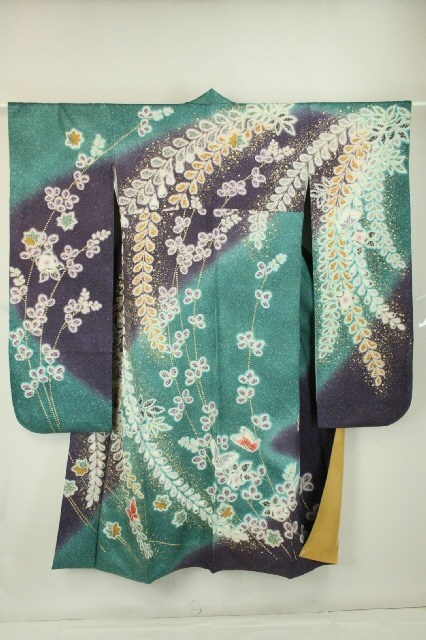Blue Color Furisode, Duck Fether and Flower Pattern / 鴨の羽色地 辻が花柄 振袖   #Kimono #Japan http://www.rakuten.co.jp/aiyama/