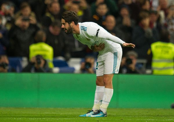 Isco Alarcon Photos - Isco Alarcon of Real Madrid CF celebrates after scoring his team's 3rd goal during the La Liga match between Real Madrid and Las Palmas at Estadio Santiago Bernabeu on November 5, 2017 in Madrid, Spain. - Real Madrid v Las Palmas - La Liga