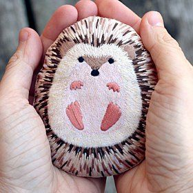 omg so adorable. This little hedgehog creation is available as a kit so you can make it yourself. check out this blog post with lots of cool craft kits to find out more