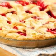 Rabarbertaart met mon chou     Taart en gebak  8 porties uit Nederland  In 35 minuten klaar (Voorbereiden:10 minuten)