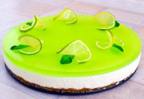 Желейный торт с лаймом - очень вкусный, нежный и легкий торт без выпечки. Этот десерт получается ярким красочным с очень нежным вкусом и ароматом.