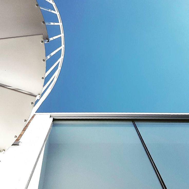Sunny skies #debeauvoirhouse